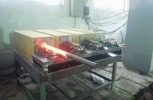 汽车半轴中频锻造炉工作现场