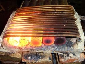 如何选购螺栓螺帽高频加热设备?